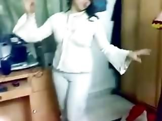 Hot Arab Girl Dancing 017
