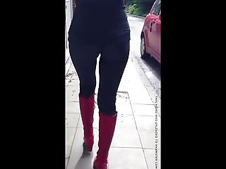 Kinky Spice Tight Legging Walking Butt