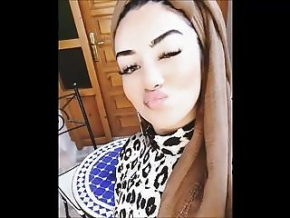 Sexy Hijabi Muslim with big boobs and dick sucking lips
